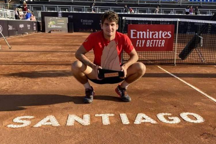 No início do mês, Thiago Wild, de 19 anos, conquistou o ATP 250 de Santiago, no Chile  (Foto: Jim Rydell/Chile Open/Reprodução)