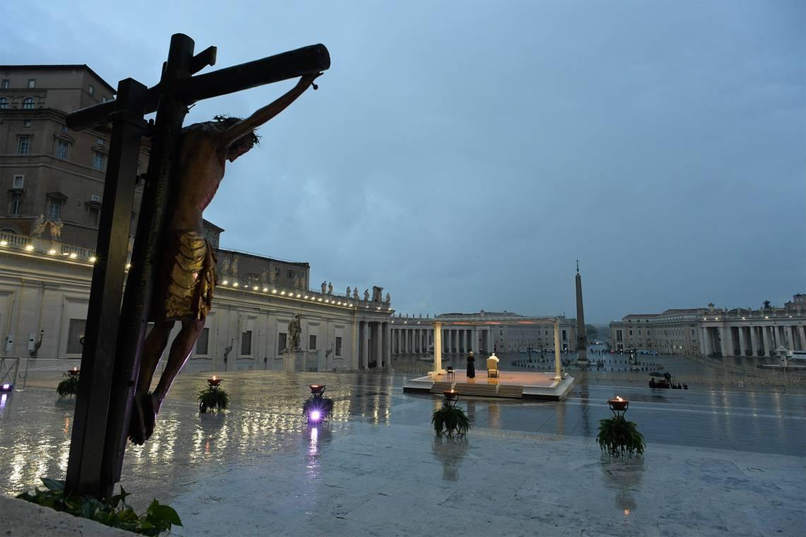 Bênção na Praça de São Pedro, no Vaticano