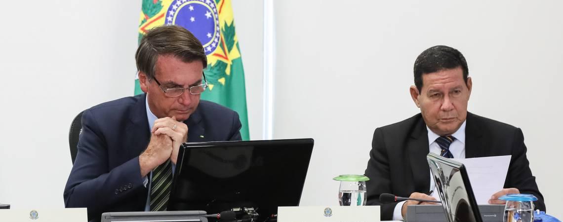 O presidente Jair Bolsonaro e o vice-presidente Hamilton Mourao. (Foto: Isac Nóbrega/PR)