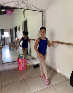 Maria Alice Valentim é uma das estudantes da Baillart que se estusiasma em participar das aulas ao vivo