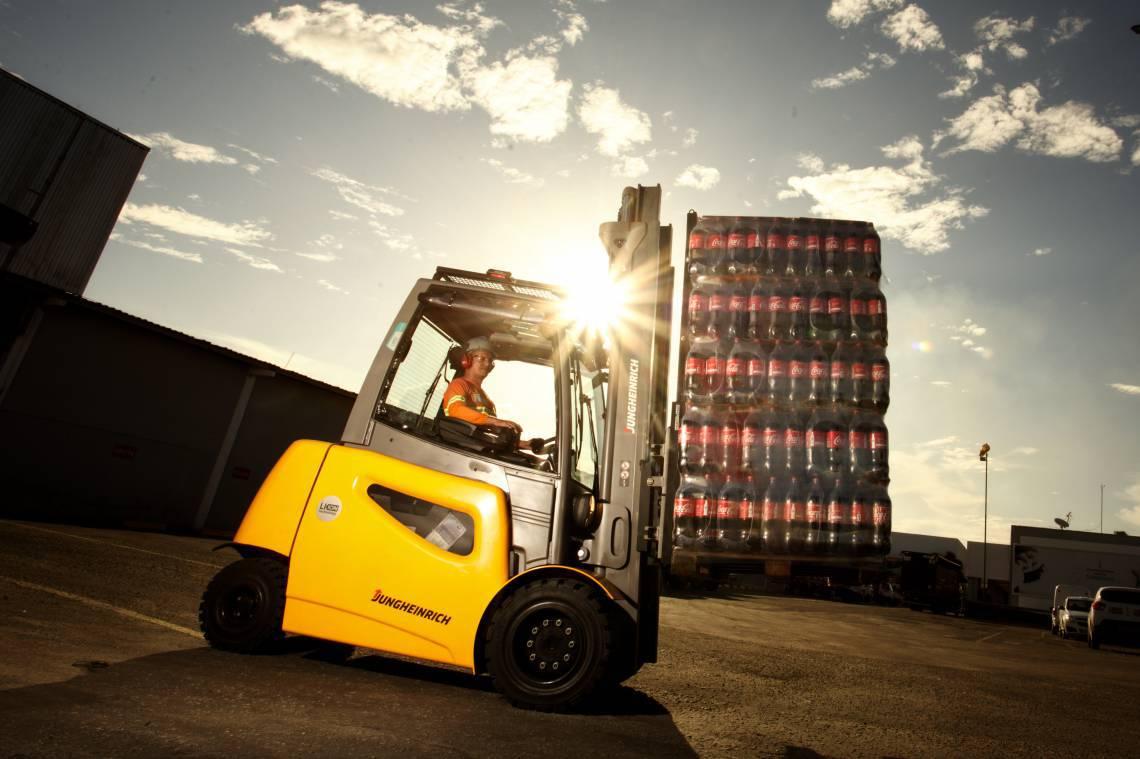 Solar Coca-Cola mantém parte da equipe em home office e outra com cuidados intensos
