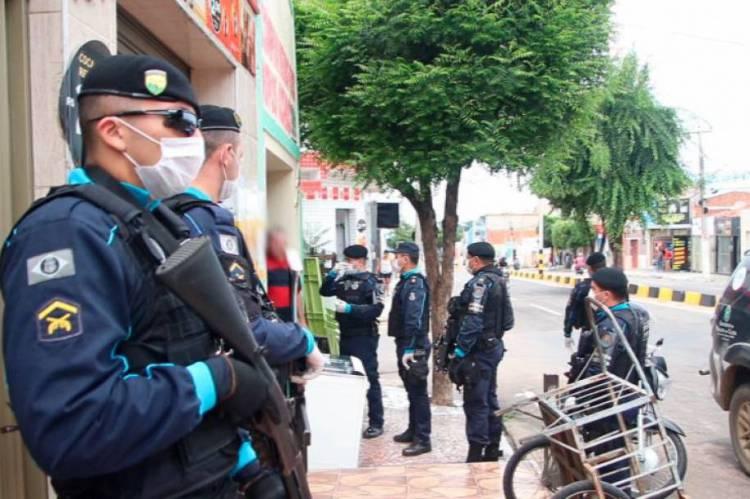 Dois policiais militares têm mortes confirmadas por Covid-19