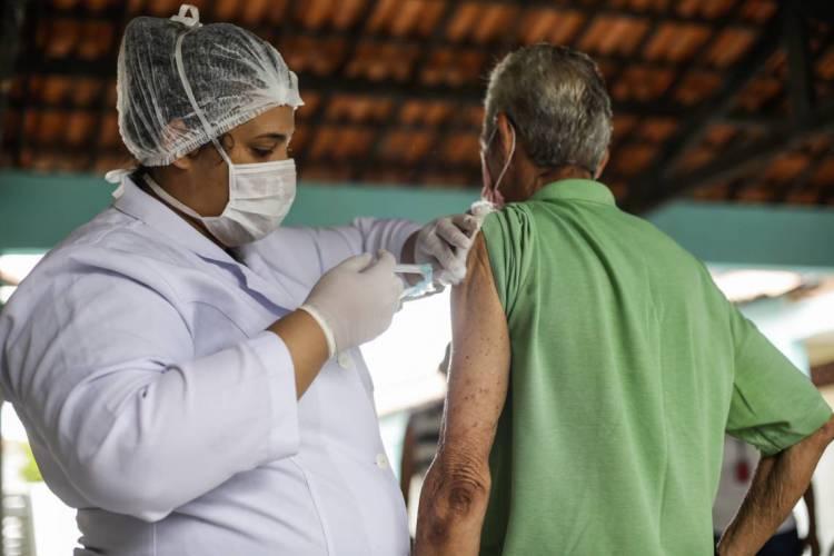 Clinicas particulares oferecem o serviço e apontam aumento na demanda (Foto: Thais Mesquita/O POVO) (Foto: Thais Mesquita)