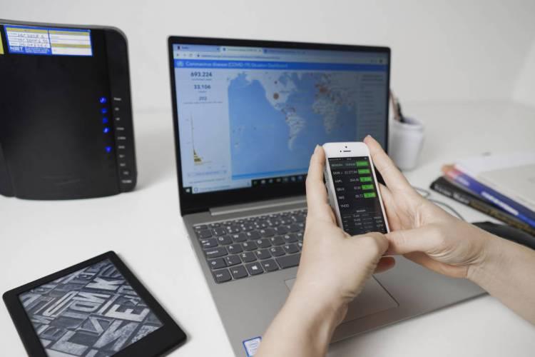 Quase 70% dos domicílios cearenses tem conexão com internet (Foto: JÚLIO CAESAR)