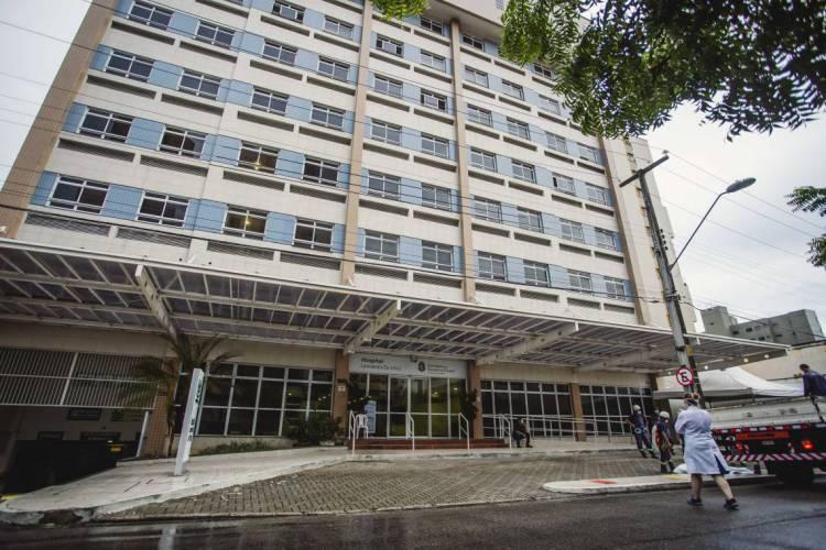 Hospital Leonardo da Vinci foi requisitado pelo Governo do Estado para atender casos do coronavírus (Foto: Aurelio Alves/O POVO)