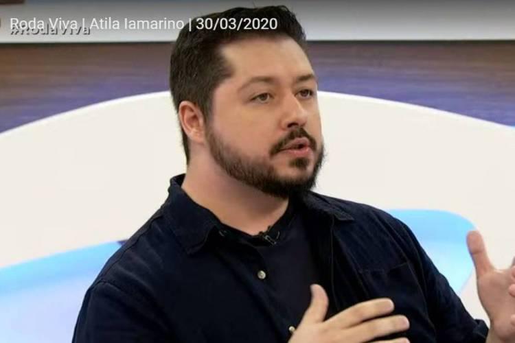 Biólogo e pesquisador Atila Iamarino foi entrevistado no programa Roda Viva, nesta segunda, 30 de março (30/03) (Foto: Reprodução/ Youtube Roda Viva)