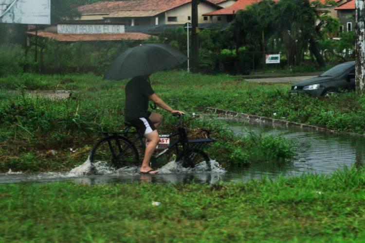 O cenário favorável para chuva continua até amanhã, 27 (Foto: Beatriz Boblitz)