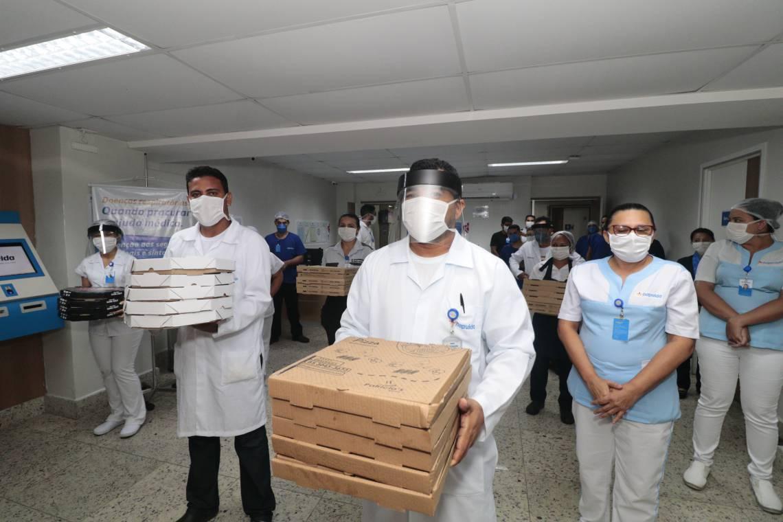Associação das pizzarias realizou entrega de mais de 50 pizzas no hospital/maternidade Eugênia Pinheiro para os funcionários que estão na linha de frente do trabalho nos atendimentos