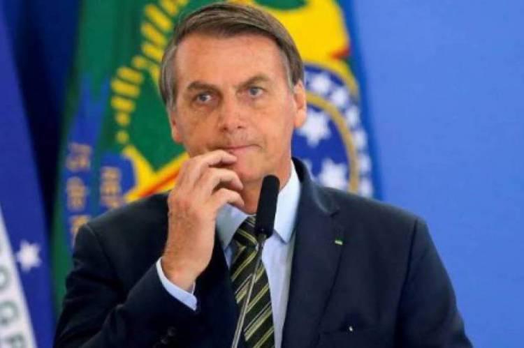 Bolsonaro voltou a defender o uso de cloroquina no tratamento contra a Covid-19. Estudos contestam a eficácia para este fim