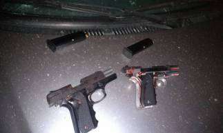 Armas usadas pelos suspeitos foram apreendidas