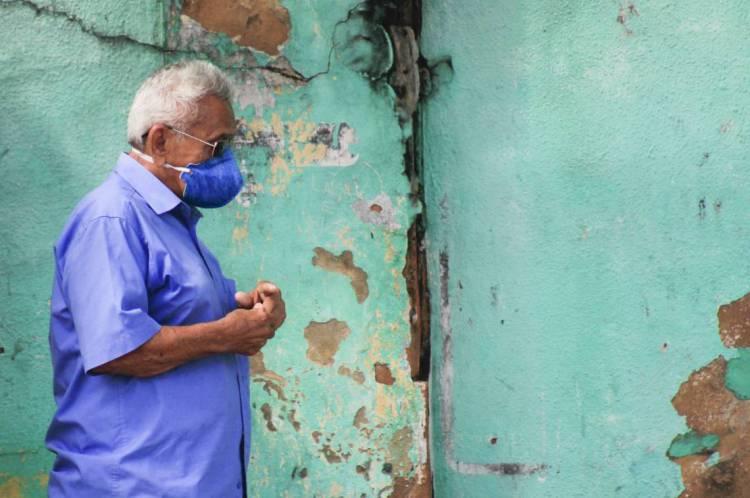 Agente de endemia já conhecem o histórico médico de pacientes de grupo de risco nas comunidades onde atuam
