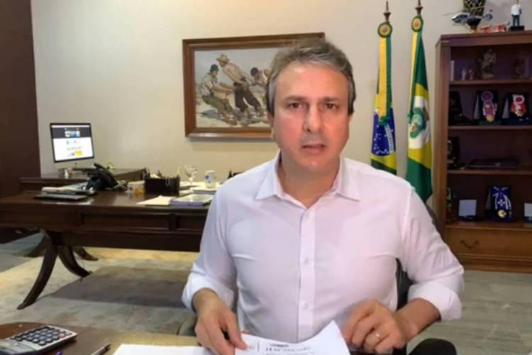Camilo Santana realizou live nesta quinta-feira sobre coronavírus (Foto: REPRODUÇÃO/FACEBOOK)