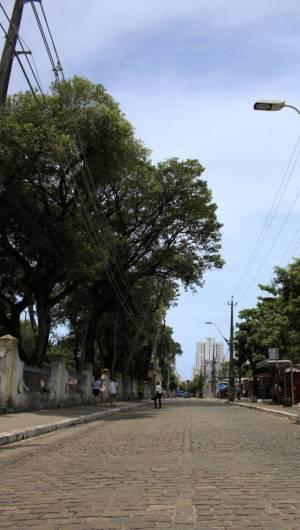 Fortaleza, Ceará, Brasil 03-04-2020: Praça da Crianças - Movimentação de alguns locais no centro da cidade de Fortaleza em meio a Pandemia do novo Corona Vírus (COVID - 19) - (Foto: Sandro Valentim/O POVO)........