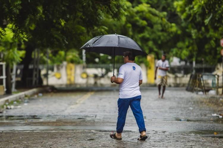 Manhã de chuva em Fortaleza em abril