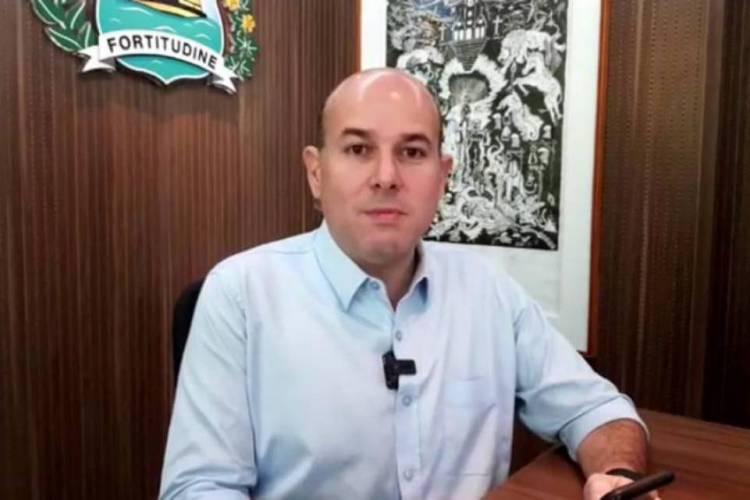 Roberto Cláudio durante live nesta segunda-feira, 6 (Foto: Reprodução/Facebook)