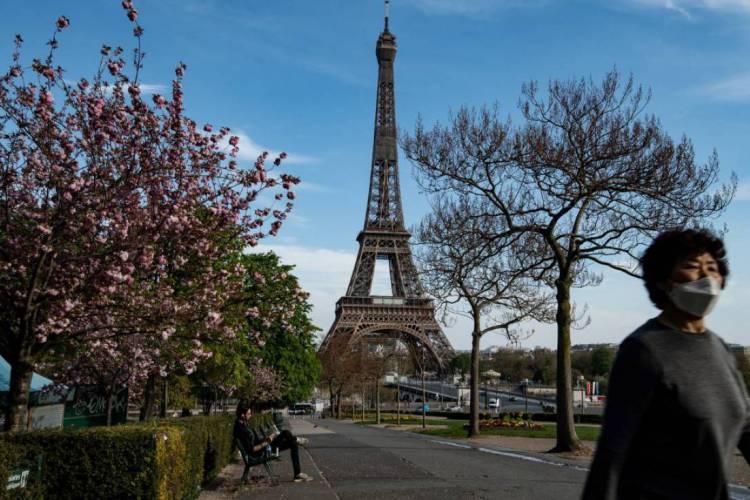 Ferramenta ficará disponível até o dia 2 de outubro e os interessados irão dialogar com uma pessoa fluente em francês. (Foto: BERTRAND GUAY / AFP)