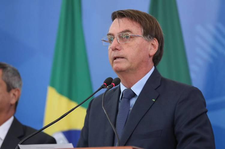 Pesquisa mostra ainda que 39% dos brasileiros avaliam gestão de Bolsonaro na crise do coronavírus como ruim ou péssima