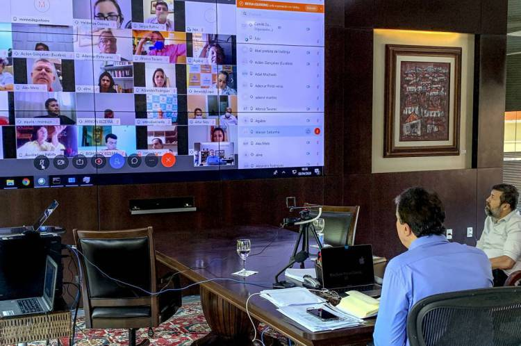 Em videoconferência entre o governador e mais de 130 prefeitos do Estado, questões sanitárias, econômicas e sociais pautaram demandas dos gestores