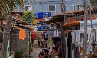 NA COMUNIDADE, 84 famílias vivem precariamente  (Foto: Beatriz Boblitz)