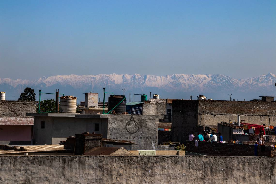 India em 09 de abril de 2020, Com menos poluicao por conta do isolamento social, India viu os Himalaias pela primeira vez apos 30 anos. (Foto Reproducao/Twitter)