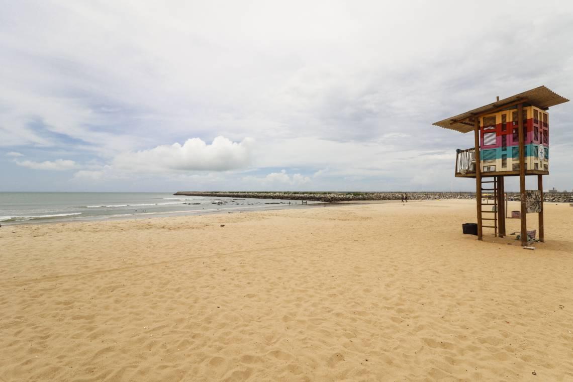 FORTALEZA, CE, 07-04-2020: Praia de Iracema vazia em razao ao coivd-19..(BARBARA MOIRA/ O POVO)