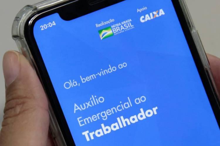 Uma das medidas do Governo Federal para combater a crise causada pela pandemia foi a liberação de saques emergenciais a partir de cadastro feito por aplicativo