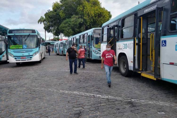 Sintro fez manifestação neste segunda-feira no terminal do Siqueira (Foto: Divulgação)