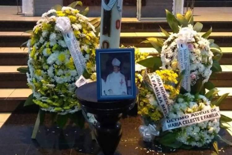 Homenagens de fiéis a dom Aldo Pagotto (Foto: Divulgação/Igreja de São Benedito)