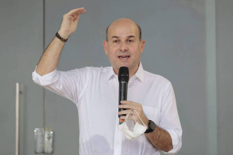 Roberto Cláudio anuncia abertura do Hospital Emergencial no Estádio Presidente Vargas (Foto: Aurélio Alves)