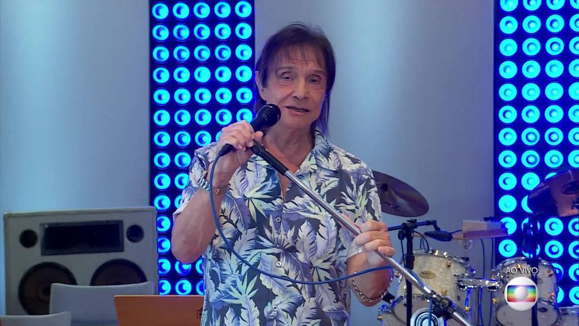 Roberto Carlos em live show neste domingo