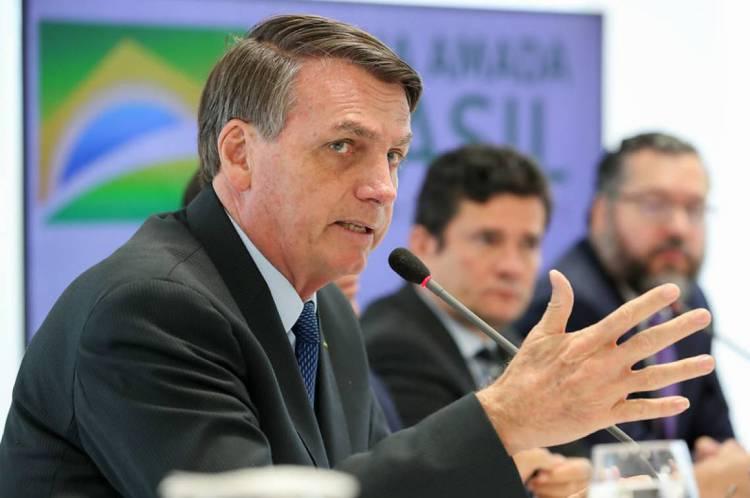 Aproximação de Bolsonaro com o Centrão seria forma de fortalecer base e enfraquecer influência de Rodrigo Maia na Câmara