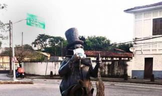 Rio de Janeiro 23 04 2020-São mais de 40 estátuas que vestem as máscaras feitas de TNT para lembrar ao carioca que a prevenção é a melhor forma de combater Covid-1 (Foto: Divulgaçao/PMRJ)