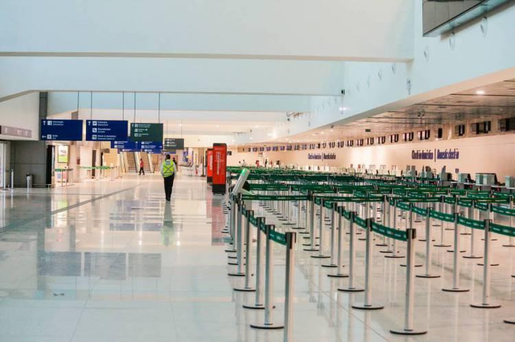 Aeroporto Internacional Pinto Martins vazio em meio à pandemia