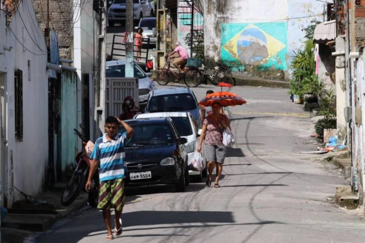 Movimentação na Barra do Ceará na manhã desta quinta, 23 (Foto: Fábio Lima/O POVO)
