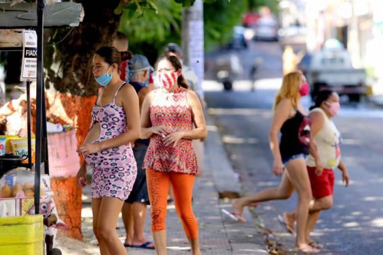 Bairro Vila Velha durante pandemia por Covid-19 (Foto: Fábio Lima/O POVO)
