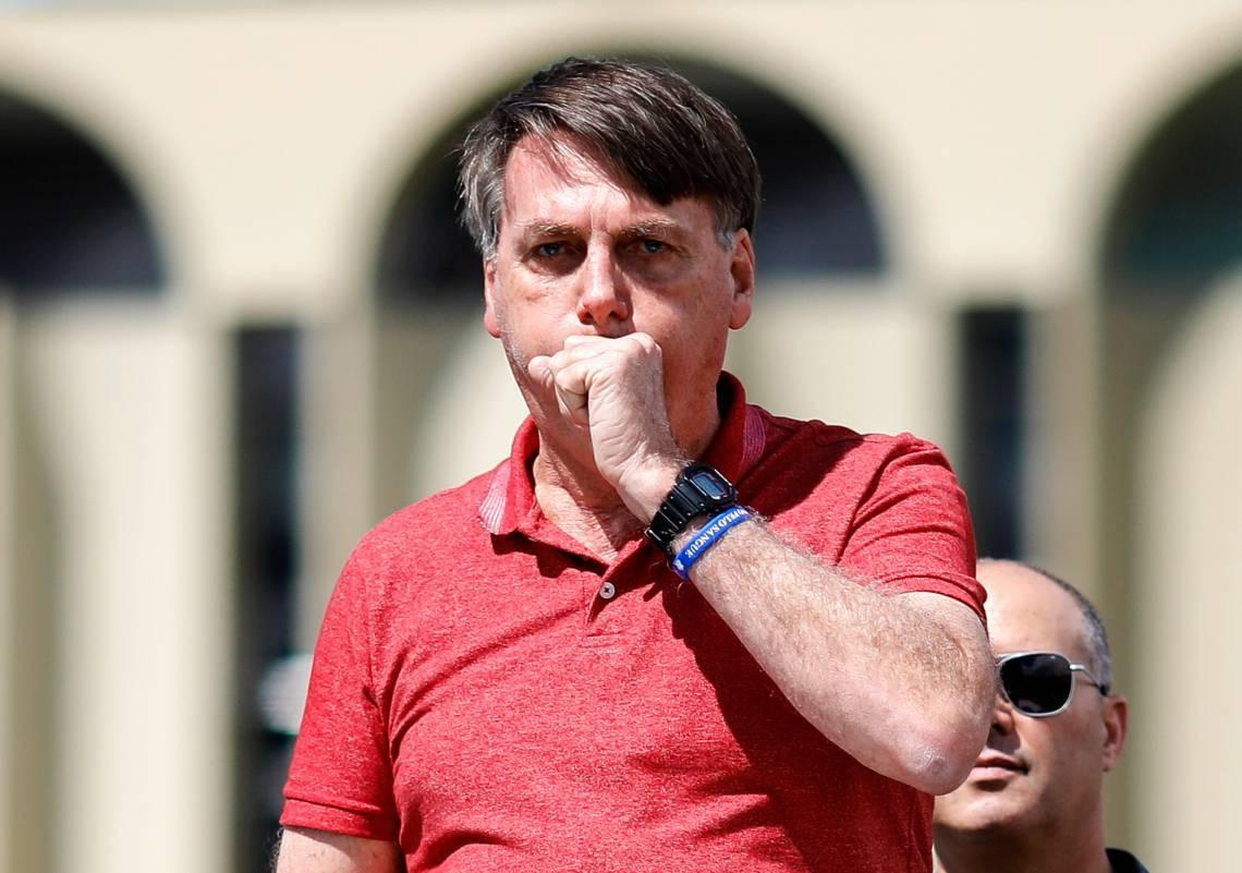 Bolsonaro estimulou, em meio à pandemia do novo coronavírus, diversas manifestações de caráter antidemocrático