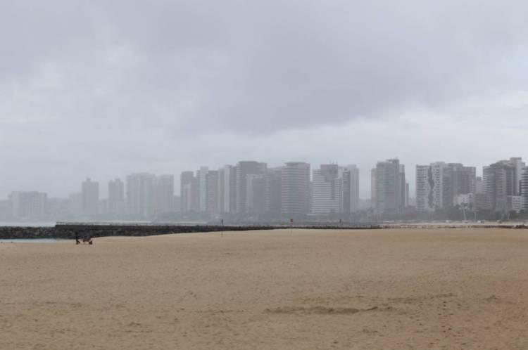 FORTALEZA, CE, BRASIL, 25.04.2020: Imagens de chuva pela cidade.  (Fotos: Fabio Lima/O POVO)