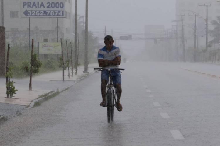 Litoral de Fortaleza e Sertão Central registram maiores chuvas do Ceará entre sábado e domingo
