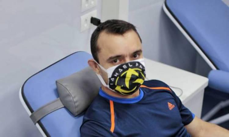 Professor de jiu jitsu Raphael Paiva foi ao Iguatemi para doar sangue nesta segunda-feira