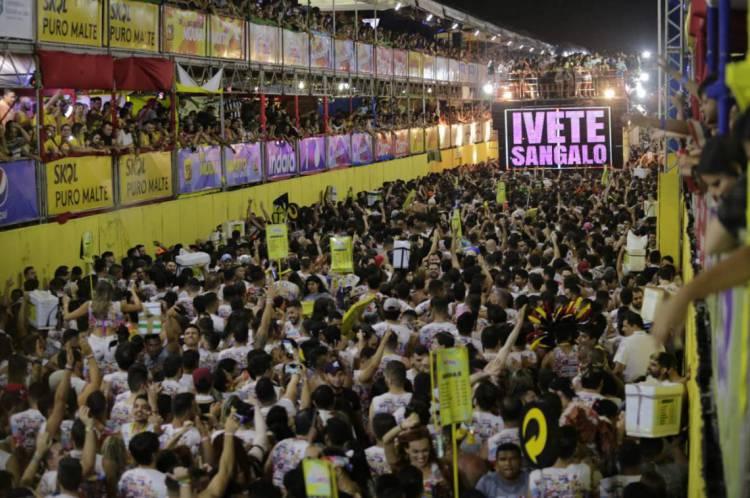 Festas como o Fortal apresentam risco extra pela alta aglomeração de pessoas