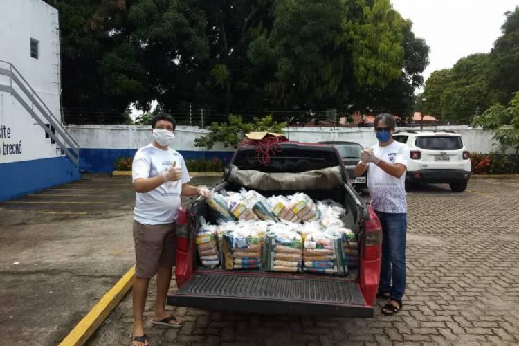 Doação de alimentos coletada por voluntários (Foto: Divulgação / Gepe)
