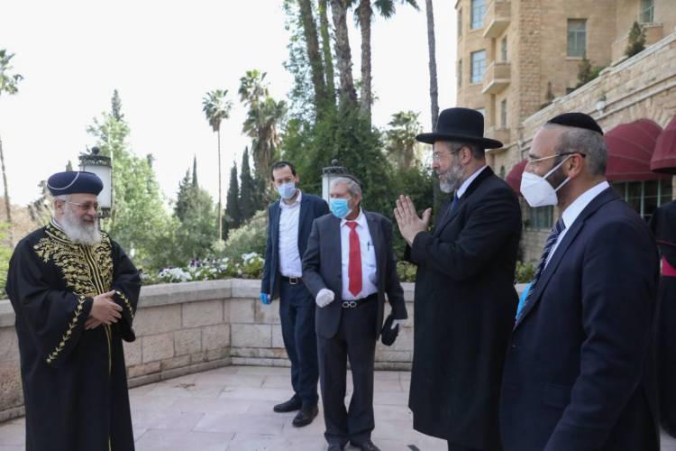 Líderes judeus, cristãos e islâmicos se unem em oração conjunta pelo fim da pandemia (Foto: Fotos: Jewish News / Reprodução Times of Israel)