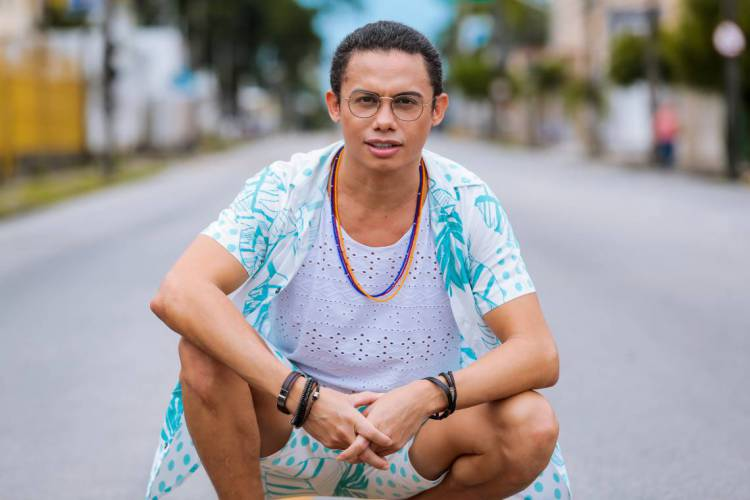 Em Pantanal, Silvero Pereira será Zaqueu, que foi interpretado na primeira versão, de 1990, por João Alberto Pinheiro (Foto: Julio Caesar)