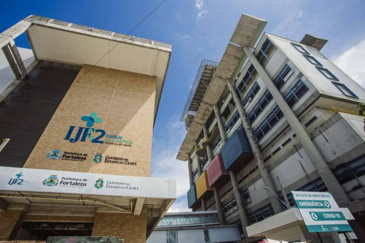 FORTALEZA, CE, BRASIL, 29-04-2020: O IJF é uma das unidades de referência para recebimento de pacientes com coronavírus na rede pública de Fortaleza (Foto: Aurelio Alves/O POVO)