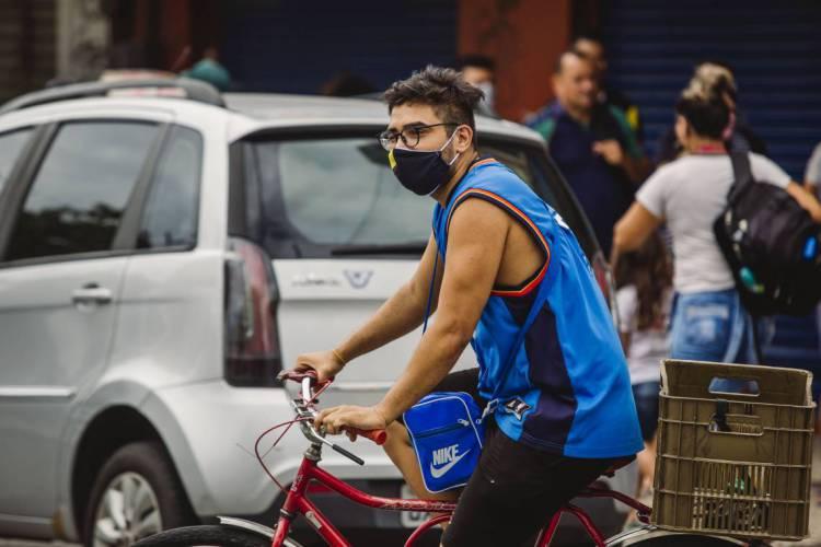 O uso de máscara passa a ser obrigatório em Fortaleza (Foto: Aurelio Alves/O POVO) (Foto: Aurelio Alves/O POVO)