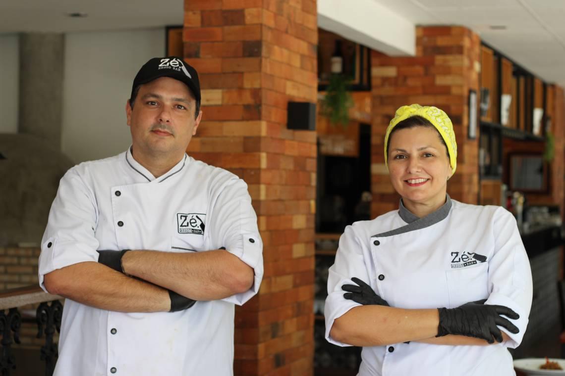 Os chefs Zé Vitor Gurgel e Jeanine Gurgel comandam o restaurante Zé Restô Bar
