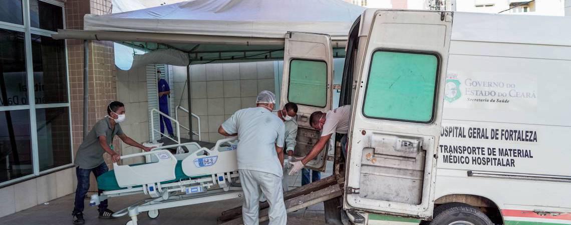 Atendimento a pacientes com coronavírus no Ceará (Foto: JÚLIO CAESAR)