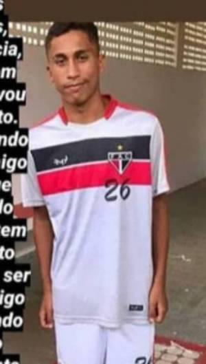 O jovem de 15 anos estava desaparecido há três dias. Família e amigos foram avisados que o corpo era de Rai