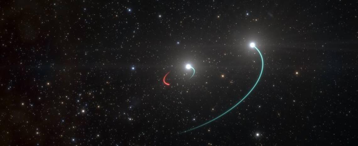 E no dia 28/7 foi publicada na Nature uma pesquisa que detectou, pela 1ª vez, luz por trás de um buraco negro.