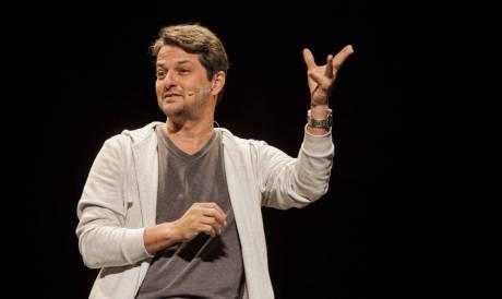 Ator Marcelo Serrado se apresenta em live nesta terça, 12